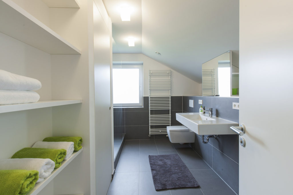 Schönes modernes Bad der Ferienwohnung Bucher Mühle im Umkreis Ulm
